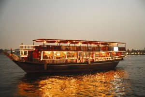 Dubai Guided Creek Cruise